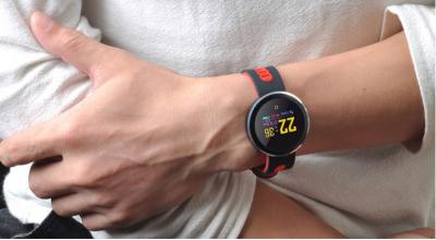 这款改变生活的健康手表让您轻松地实现新年健身目标