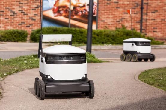 走开吧人类!送货机器人想要共享你的人行道