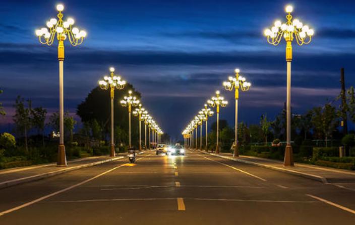 金秋照明:路灯EMC专业企业