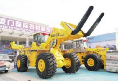 厦金机械展示世界最大吨位XJ998-52E叉装机 装卸载荷52吨!