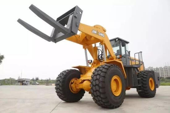 晋工机械明星产品JGM771FT32KN叉装机亮相中国厦门国际石材展