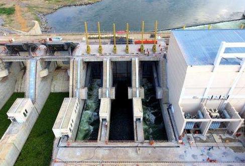 乌干达伊辛巴水电站4台机组并网