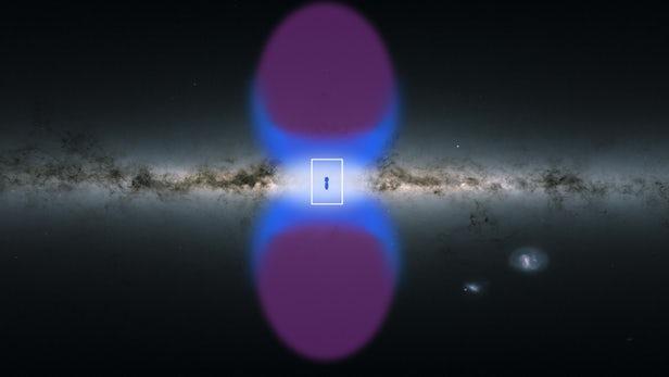 """欧空局X射线望远镜发现银河系中心有两个巨大""""烟囱""""可将能量和气体输送到星系际空间"""