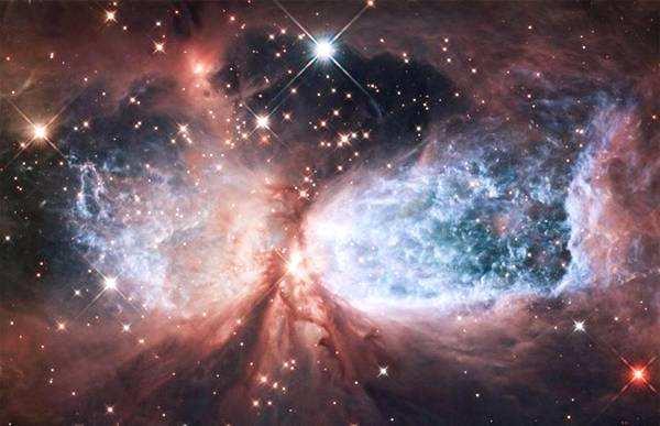 """哈勃望远镜发现""""上帝之城"""""""