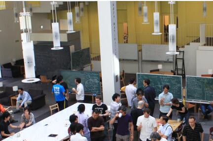 东京大学研发三维空间运动的自动驾驶车 UGV与UAV协同工作可攀爬墙壁