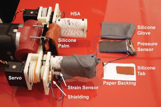 市政回收分选中新型材料检测机器手RoCycle可准确区分抓取到的物体类别