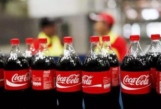 可口可乐2018年在华售出373亿元饮料,快乐肥宅水仍受欢迎
