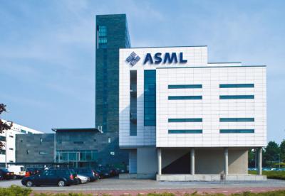 ASML第一季度总销售额达到22亿欧元,售出43台新型光刻机