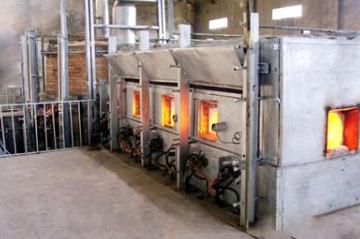 浮法玻璃窑炉用燃料及其烟气污染物排放特性与治理技术分析