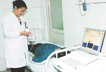 俄罗斯为非侵入性肿瘤诊断治疗研制高强度聚焦超声波综合体