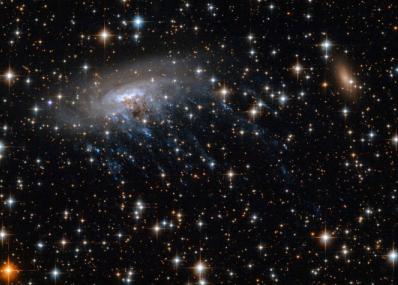 NASA拟使用詹姆斯韦伯太空望远镜研究ESO 137-001星系