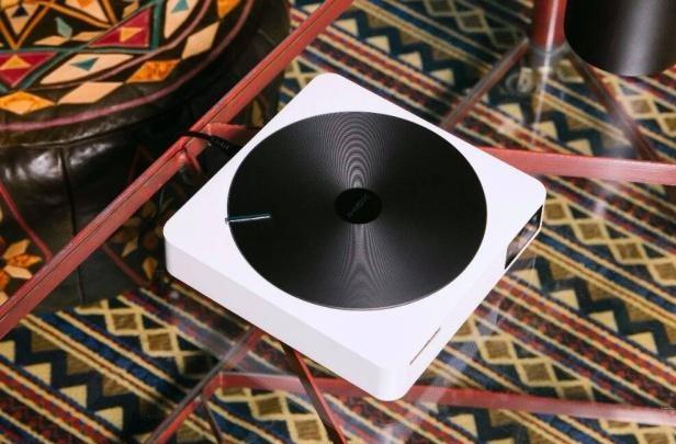 极米Z4V智能投影仪延续黑胶唱片经典 机身如百科词典般大小