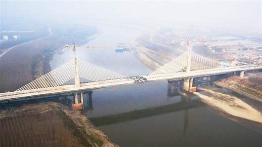 """武钢成功研发690兆帕级桥梁钢 助力大桥""""一跨过江"""""""