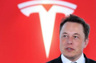 马斯克公开表示松下电池拖累Model3产能