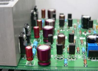科学家总结了NC-FETs的最新研究成果,提出晶体管发展新思路