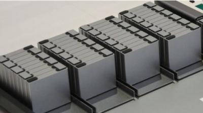 氮化硼纳米涂层可稳定锂金属电池电解质 安全延长电池寿命