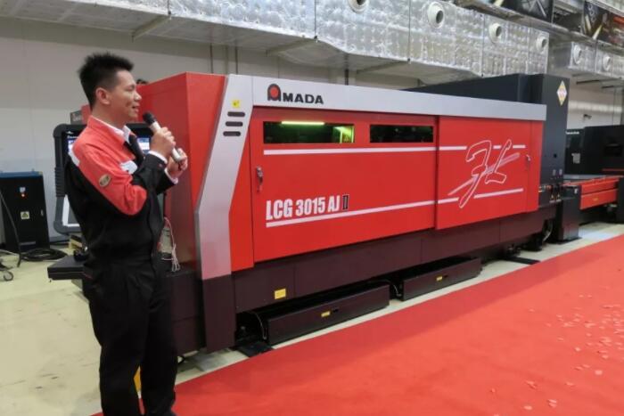 AMADA发布下一代主力机型——光纤激光切割机LCG3015AJⅡ