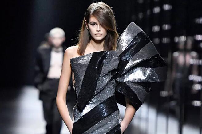 首个!Gucci母公司开云集团承诺只用18周岁以上模特