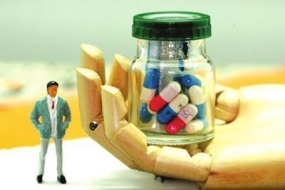 100多种药价火箭式上涨  不良商人非法垄断药品原料牟取暴利