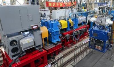 我国首台套7万吨/年LLDPE挤压造粒机组通过出厂验收