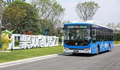 吉利杭州首发全新5G智慧公交 实现刷脸支付与远程管理