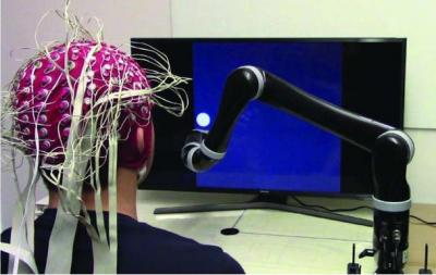 新突破!美国研究人员开发出首款精神控制机器人手臂