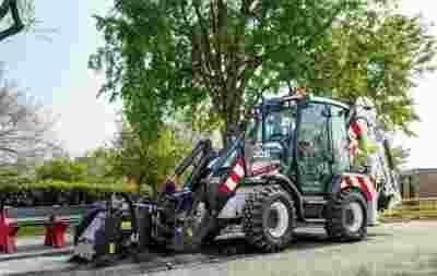 挖掘装载机JCB发布3CX Compact Highways Master 用于普通道路维护