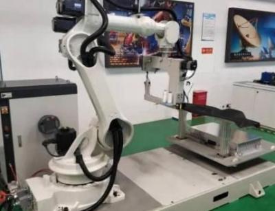 重大突破!中船重工研发国内首个3D缝纫机器人打破国外垄断