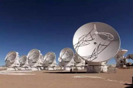 ALMA射电望远镜发现已知最古老的合并星系