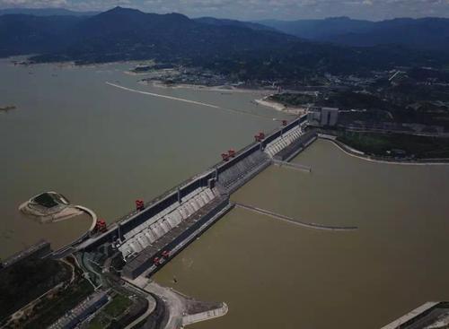 三峡大坝变形谣言为何站不住脚?水利专家来辟谣