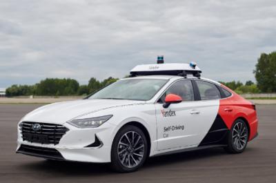 Yandex推出与现代合作的首款自动驾驶原型车索纳塔2020