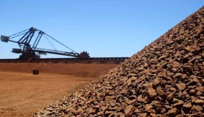 国内现货钢价呈下行态势 进口矿价先涨后跌