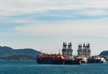 KLAW LNG公司交付新的液化天然气船对船(STS)加油解决方案
