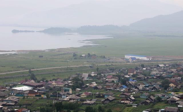中国矿泉水厂在俄贝加尔湖畔死亡全记录 农夫山泉少了一对手