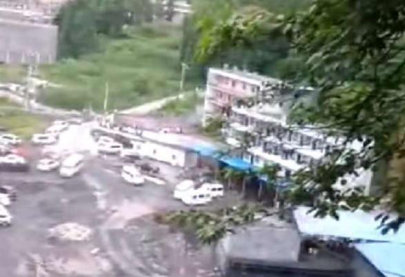 贵州毕节一煤矿疑似瓦斯爆炸 已致5人遇难2人被困