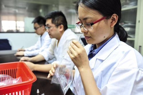长春东南部反映臭味问题 组织国内臭气专家和闻臭师现场考察