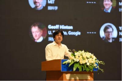 依图科技CEO朱珑:算法提升百万倍AI仍是低阶智能,高阶智能的关键是智能密度