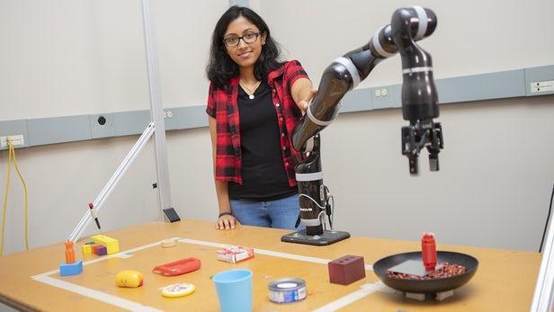 新型MacGyver机器人可借助日常物品打造新工具