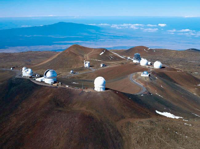 全球最牛最大光学望远镜建设遇阻 天文学家与原住民抢圣山