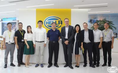 海拉与星云签约合作 打造先进的车联网解决方案