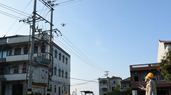 国家电网湄洲岛供电公司首次开展无人机巡线