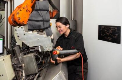 博泽携手IPG研发激光焊接技术 大大提高汽车座椅导轨生产效率