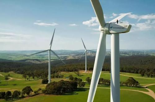 金风科技南非Excelsior项目完成首台风电机组吊装