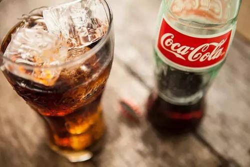可口可乐否认雪碧与江小白联名推新品进军中国酒饮市场
