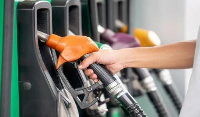 """""""两桶油""""打响价格战 成品油零售市场竞争格局生变"""