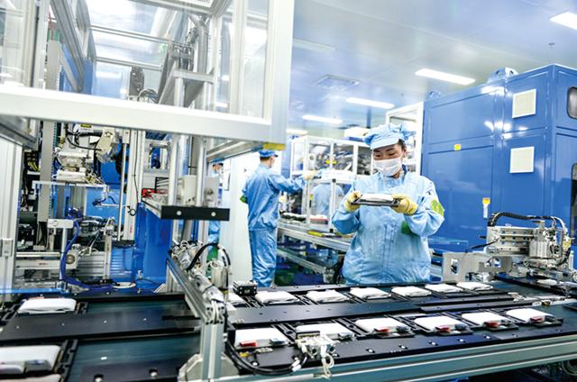 中国动力电池企业三倍高薪从韩企挖人