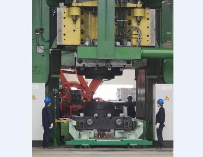 中航重机全球最大螺旋压力机产品下线 中国锻造进入3.0时代