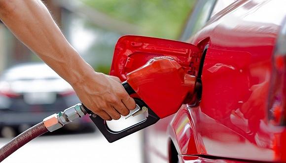 国内成品油价迎年内第三次搁浅