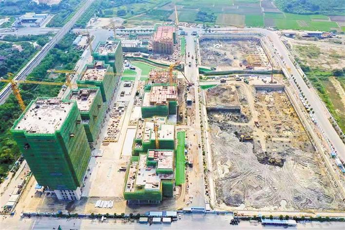 全国最大机器人小镇 深汕湾科技园主体结构封顶