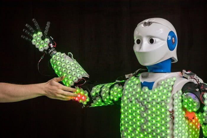新技术:高灵敏度合成皮肤 赋予机器人更真实的触觉感知